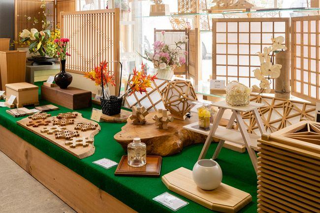手作りの木工品とZAKKAの店